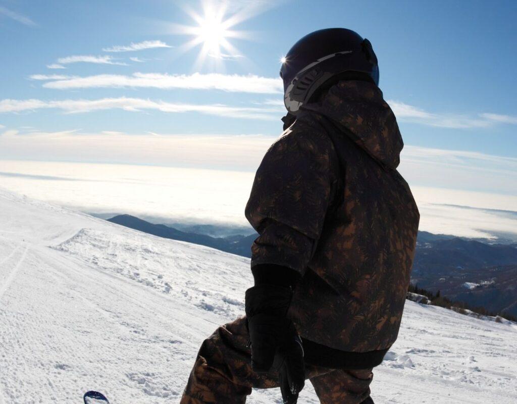 Skifahren mit Kindern ist ein sehr beliebte Winterurlaubaktivität.